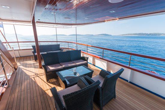 MS Aquamarine Outdoor Lounge Area