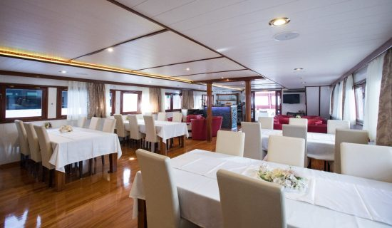 MS Adriatic Pearl - Restaurant & Lounge