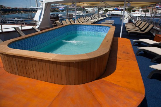 MS Apolon Jacuzzi