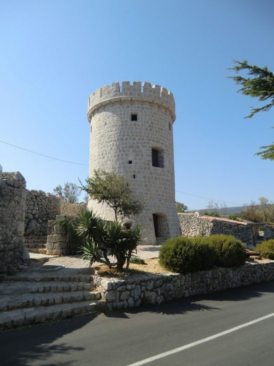 Cres - Cres Tower