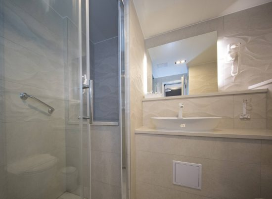 MS Summer Bathroom Shower